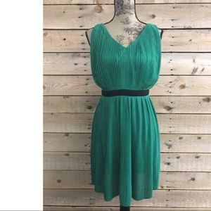 NWT C. Luce Pleated Emerald Sleeveless Dress
